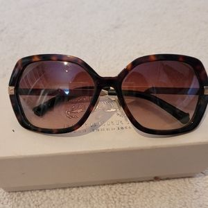 Auth Burberry Sunglasses